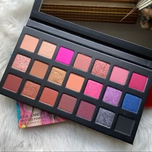 Kylie Cosmetics Sipping Pretty Birthday Palette